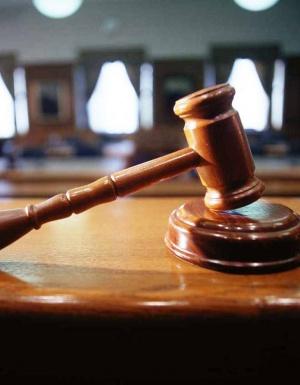 Суд заменил обидчику полицейского штраф на реальный срок